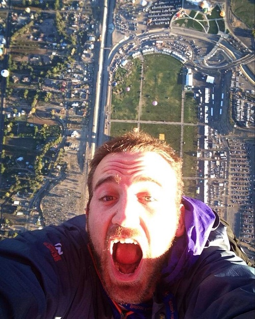 10-Selfies-That-Will-Put-Other-Selfies-To-Shame-1
