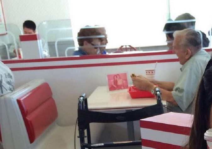 Photo Of Veteran Eating Alone Goes Viral