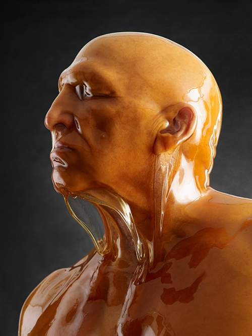 He-Poured-Honey-Over-Bare-Bodies-The-Result-Is-Breathtaking-11