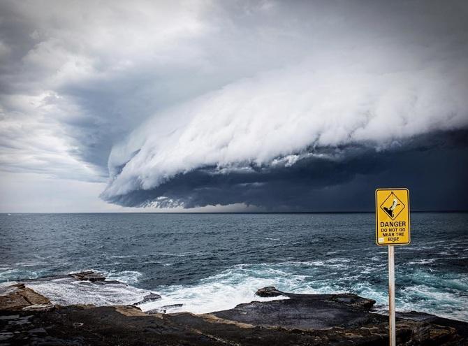 TW_massive-cloud-tsunami-sydney-australia04_670