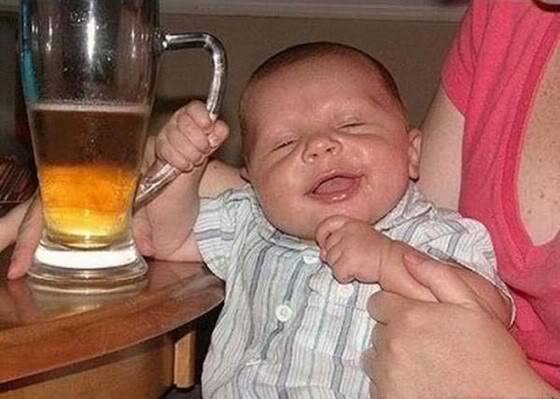 baby_drinking_beer_3