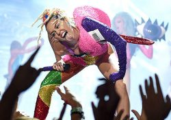 miley-cyrus-not-dead