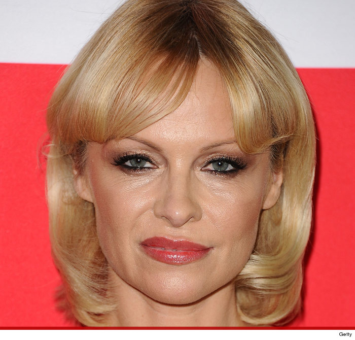 pam-anderson-mullet-photos-11