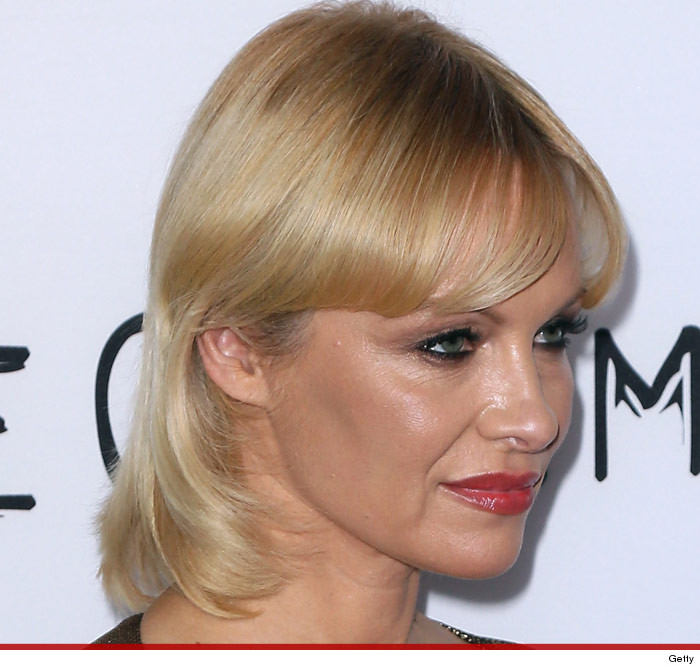 pam-anderson-mullet-photos-7