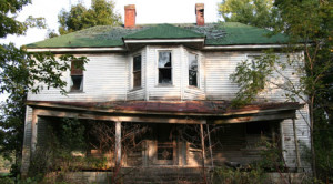 Killer Turns Abandoned Home Into Haunted House