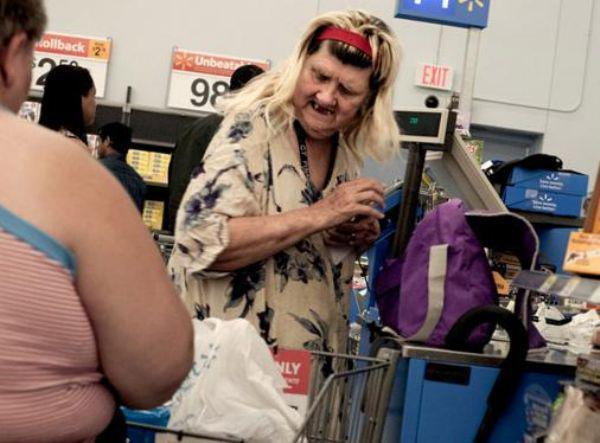 the-people-of-walmart-are-on-another-level-32-photos-15