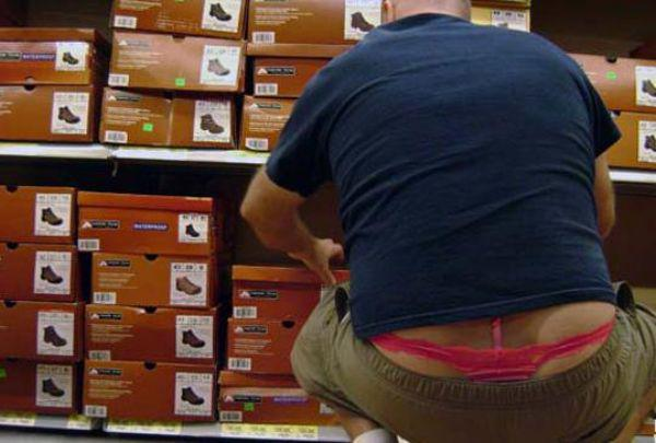 the-people-of-walmart-are-on-another-level-32-photos-23