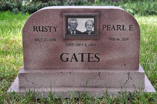 wpid-funny-halloween-headstone1